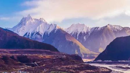 阿坝藏族羌族自治州, 美丽的四姑娘山, 还有可爱的大熊猫