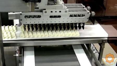 看看俄罗斯人是怎么批量生产饺子的