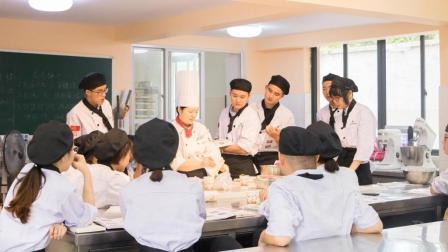 西点怎么入门? 蛋糕甜点面包教学 西点烘培培训学校西点培训学校