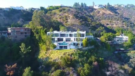 """位于好莱坞山上的""""软木屋"""", 无以伦比的视觉震撼"""