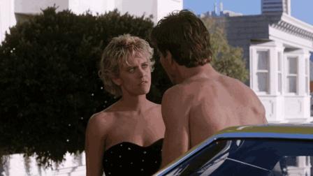 男子身体变小钻进女友体内, 发现了女友的一个《惊异大奇航》