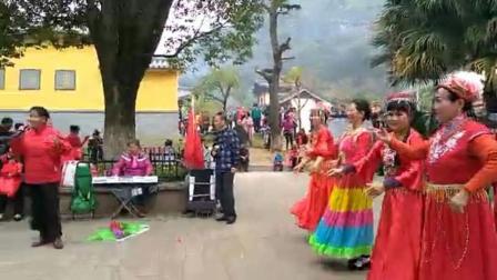 (红梅赞): 电子琴演奏: 歌伴舞: 广场舞
