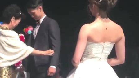 婚礼现场, 新郎和婆婆一出场就帅炸了, 这一家人