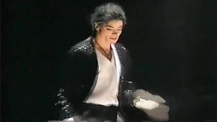 天王迈克尔杰克逊《Billie Jean》, 声音舞蹈无人超越!
