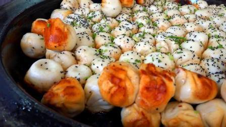 """实拍上海特色美食""""生煎包"""", 焦黄酥脆又多汁, 每天800个全卖光"""