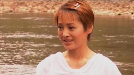 三分钟看完《大马帮》第六集 果果河边洗澡, 衣服被拿上不了岸