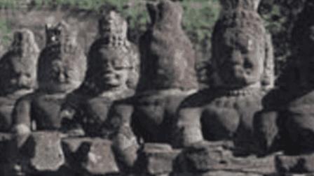 深山禁地700年无人踏足, 考古专家冒险闯入, 意外