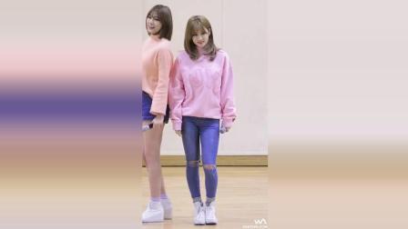 韩国美女大学生, 现场惊现热舞