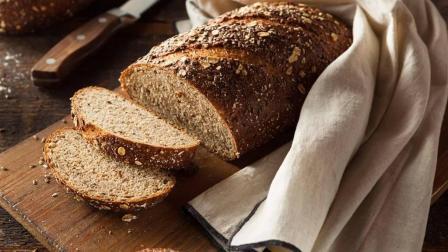 自己动手, 让家人吃到真正的全麦面包!