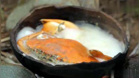 荒野小屁孩: 户外找到大螃蟹, 看看哥俩如何烹饪, 吃得真香啊