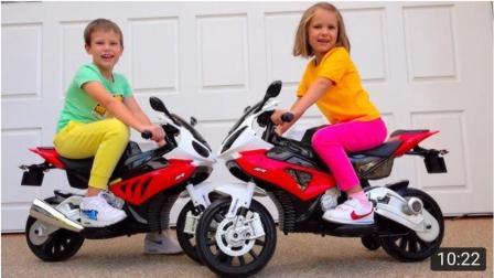 趣玩, 兄妹俩假装骑玩具摩托车, 太好玩了