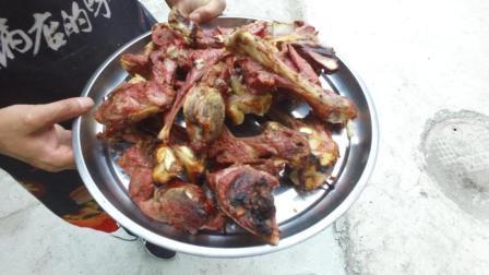 药水腌制正宗的南疆戈壁滩烤肉, 乌鲁木齐馕坑肉, 进来看看吧