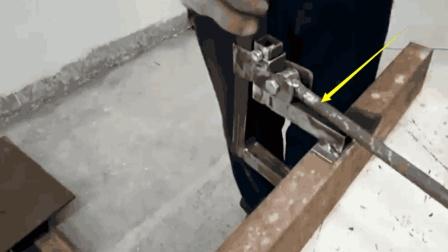 实拍国外牛人焊接一个实用小工具, 你给这创意打