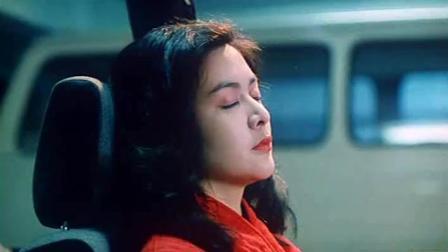 《情迷阴阳界》王晶这死胖子家里有夏文汐这个大美女做老婆了, 居然还去撩红衣女鬼关之琳