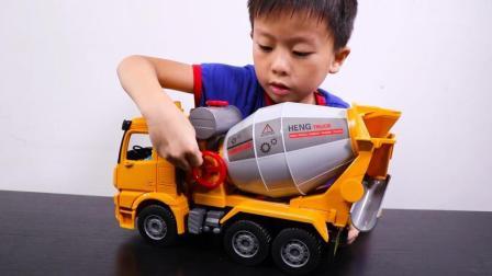 水泥罐车工程玩具 手动搅拌轻松卸泥土