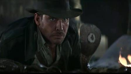 最怕蛇的考古学家, 与美女一同掉进蛇窝, 他却抛