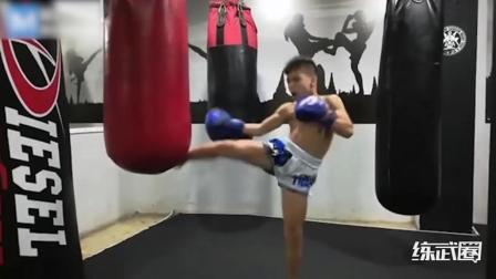 10岁小孩泰拳功底竟如此出色, 长大了可不得了!