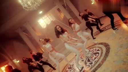 日本第一韩团KARA巅峰之作《Mama mia》, 舞蹈太魔性了, 我已中毒