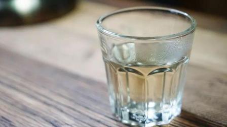 隔夜的白开水还能不能喝? 今天才弄明白, 原来一直都做错了!