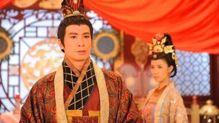 一位皇帝装傻36年, 登上皇位后一秒变天才, 人生如戏啊