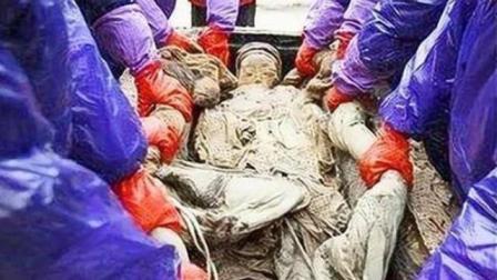 考古队发现定陵墓, 棺中遗骸睡姿极为诡异, 棺木