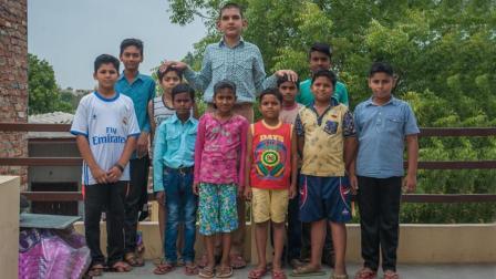 世界上最高的孩子, 出生时体重达15斤, 8岁身高将