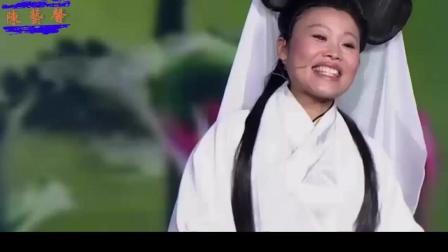 草帽姐打扮成白素贞, 献唱《千年等一回》惟妙惟肖, 一开口惊艳全场观众