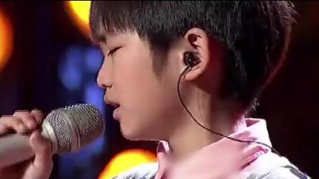 最不敢听一首歌, 8岁男孩开口就唱哭观众, 句句撕心裂肺, 泪崩!