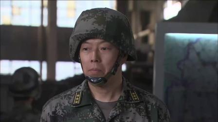 《特种兵之火凤凰》 25 老乡相助躲暗哨 女兵藏入垃圾车