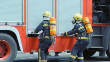 实拍消防员用城市大脑火场救援, 45秒发车救灾, 比报警人了解现场
