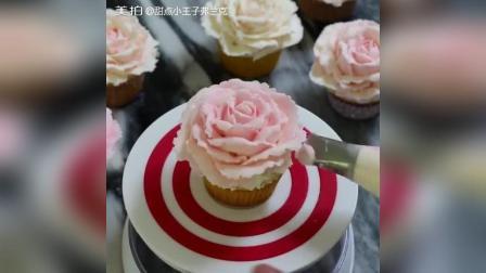 纸杯蛋糕, 美美的裱花少女心爆棚。