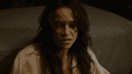 一部天马行空的动作片, 冷血杀手突然变成了美女, 开始了自己的复仇计划