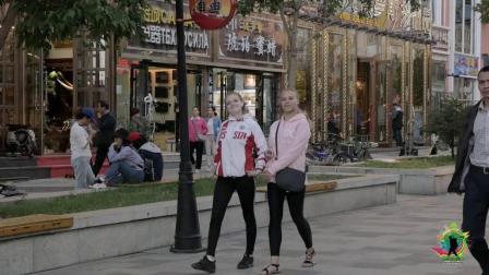 中俄边境城市满洲里, 街头的俄罗斯人多吗? 实拍当地的步行街