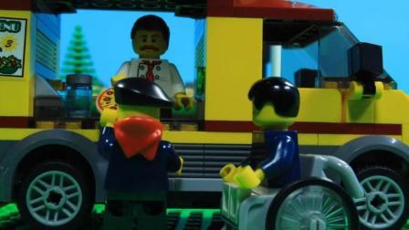 乐高Lego: 生意红火的披萨小卖车 简直是供不应求啊
