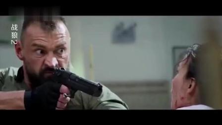 战狼2: 国产品牌露脸了, 冷锋开着救人, 霸气十足