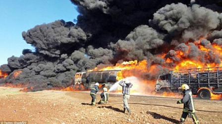 伊朗刚对美国发出警告, 美盟友就遭重创, 大批导弹袭击油田