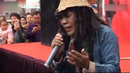终于找到唱歌最好听的乞丐, 街头唱一首歌撕心裂肺, 火遍满大街, 正在演唱中别错过了