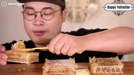 韩国大胃王胖哥, 吃齁甜齁甜的蜂巢蜜, 塞得嘴里都嚼不开了