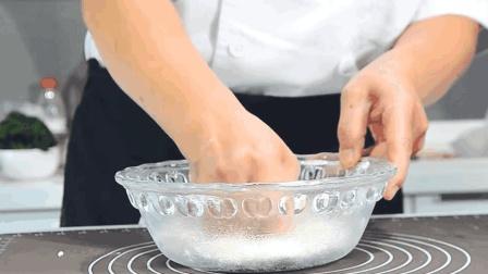 """面点师教你""""锅贴面""""专业和制方法, 煎出的锅贴不发粘注意这两点"""