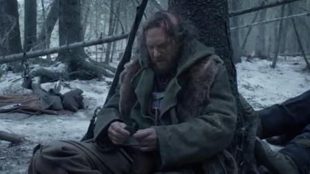 三分钟看完《荒野猎人》,男子被抛弃荒野吃生肉生存