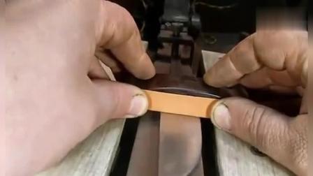 厉害了! 牛人将马达链条锻造成钢刀
