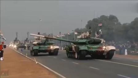 搞笑的印度阅兵, 士兵们一路慢跑前进