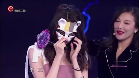 面罩女孩拿下面罩后, 她的男神低下了头, 久久不敢上场