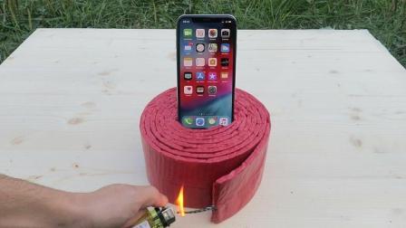 最新款iPhone Xs放到1000个鞭炮上, 点燃后你猜会发生什么?
