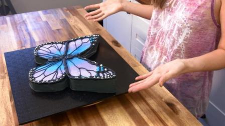 做蛋糕的小姐姐千万不要惹! 随便做个蝴蝶蛋糕就让你傻傻不分真假