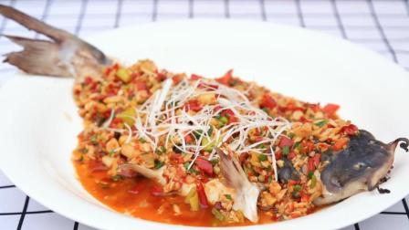 对鱼的烹饪就得服川厨, 这道极致鲜美的佳肴, 馋得吃货们口水直流