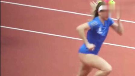 女子跳远运动员比赛前的试跳, 差点走光!