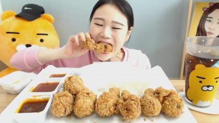 韩国大胃王卡妹, 一次吃8个香酥炸鸡腿, 蘸点辣酱, 吃的真过瘾