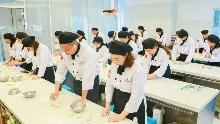 蛋糕烘焙培训学校 西点烘焙 蛋糕面包培训 蛋糕培训蛋糕师培训 蛋糕教学fhxx