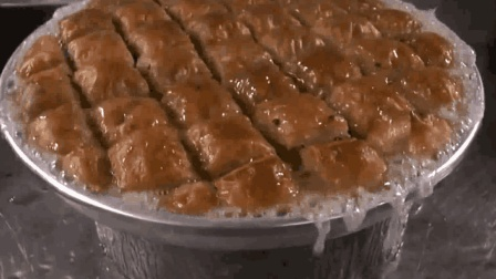 国外美食系列: 土耳其传统果仁蜜饼制作全过程, 和披萨神似